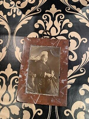 Antique Victorian 19th Century Queen Victoria Mourning Photo In Marble Frame
