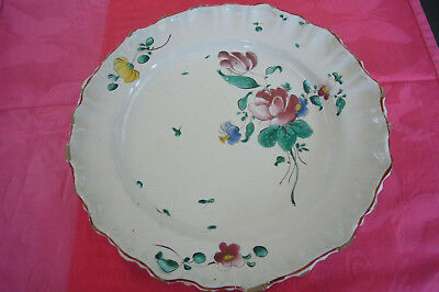 GRAND PLAT  EN FAIENCE DE MOUSTIERS FERRAT DU XVIIIème DECOR UN BOUQUET DECENTRE