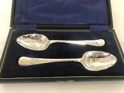 """Stunning Cased Pair Of Victorian Silver Plated Berry Spoons 6"""" Long"""