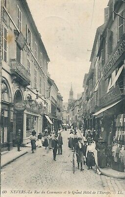 CPA - France - (58) Nièvre - Nevers - La rue du Commerce