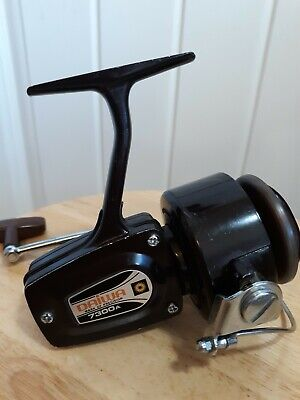 DAIWA 7300A SPINNING REEL - Vtg-  ANODIZED SPOOL ANTI-CHIP Japan EUC