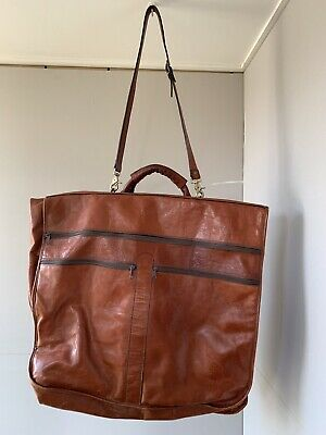 Leather garment/suit bag, hardly used in perfect condition