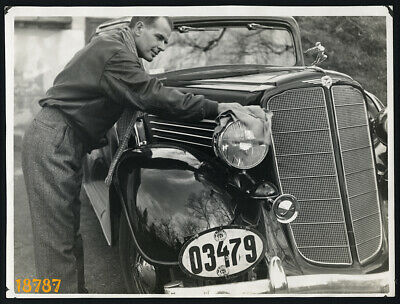larger size Vintage Photograph, driver cleaning classic car BUICK, 1940's
