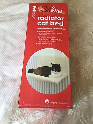 Catkins Radiator Cat Bed Bnib