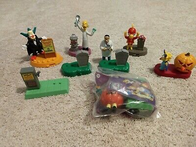 Lot Of 2001 Burger King Simpsons Toys