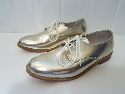 Seed Heritage teen gold metallic laceup shoes Size 35. New