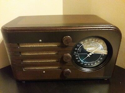 ANTIQUE ,VINTAGE, DECO ,COLLECTIBLE - OLD TUBE RADIO ZENITH 6d117 RESTORED