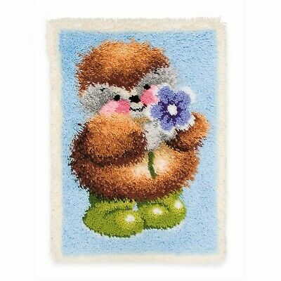 HEDGEHOG WITH FLOWER LATCH HOOK RUG KIT from UK Seller, BRAND NEW