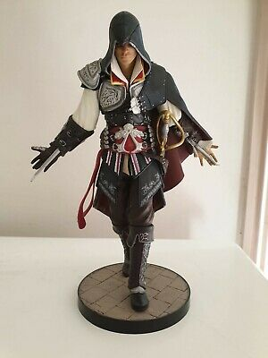 Assassins creed 2 Ezio Figure Statue Black Edition