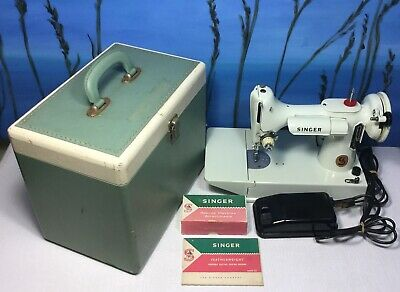 Vintage White Singer Sewing Machine Featherweight Portable 221K With Case *read
