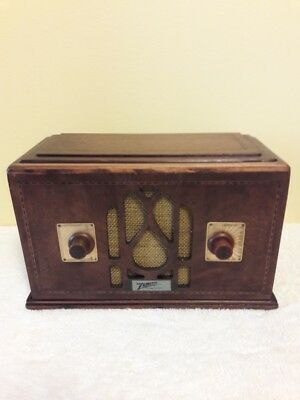 Antique ,Vintage, Deco ,Collectible - Old Tube Radio Zenith 701 Restored