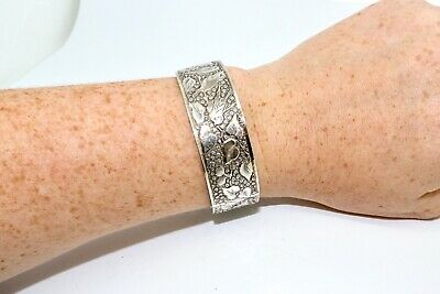 An Antique Victorian Sterling Silver 925 Decorated Engraved Bangle Bracelet
