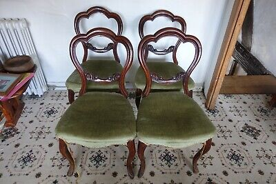 Four Vintage Antique Dining Cafe Bistro Wooden Chairs with Bowed Front Legs
