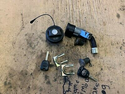 Toyota Aygo Genuine Ignition Barrel / Door Locks / Key Fob