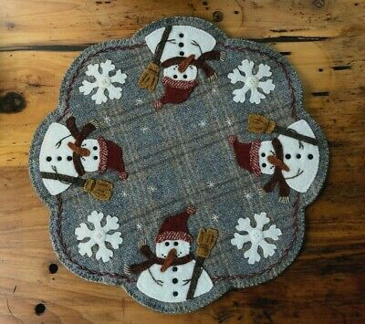 "Wool Applique Kit ""Frosty & Snowflakes All Around"" Buttermilk Basin"
