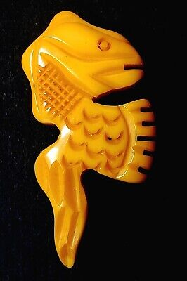 Vintage Button…Bakelite Sea Creature…Nicely Carved Creamed Corn Yellow
