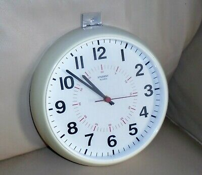 Vintage ACCUTEC STUDENT School Factory White Wall Clock. Inner Seconds Dial. a