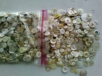 Nearly a POUND of Vintage Antique Buttons Bakelite Celluloid Metal Bone Wood MOP