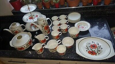Vintage J&G Meakin Poppies Cake Stand, Coffee Pot, Cups, Bowls, Jugs, Tureen