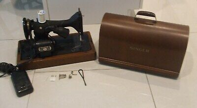 Antique 1950'S Singer  Sewing Machine Beautiful Bent Wood Case!!