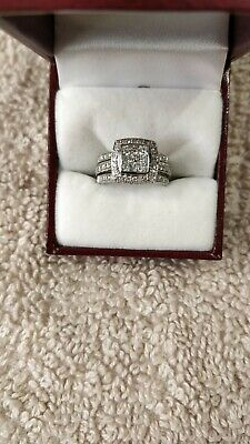 18ct  White Gold 3pc Diamond Ring Set
