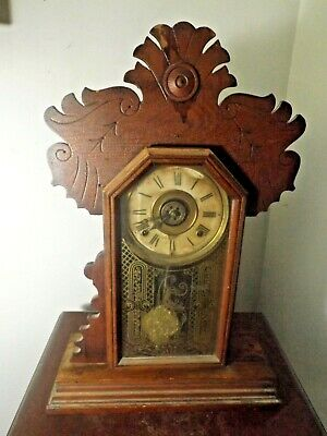 Antique E. Ingraham Oak Kitchen Parlor Gingerbread Table Clock Runs Great Restor