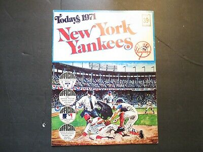 NY Yankees Today's 1971 Official Picture Stamps Book (VF) DELL Thurman Munson