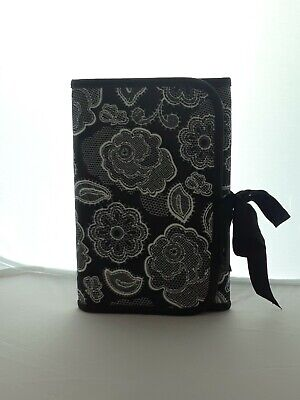 Thirty-One Gifts Fold And Go Organizer  w/pad (Botanical Lace - Retired Pattern)