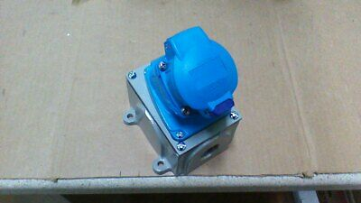 Meltric Pn7 01-P4061 Receptacle / 6P+Grd / 600Vac / With Angle Housing & Back Bo