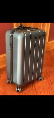 Chester Minima Carry On Luggage, Lightweight Suitcase Spinner Dark Gray Color