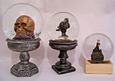 HALLOWEEN Spooky Black/ Gold Glitter Gothic Snow Globe Dome Gisela Graham