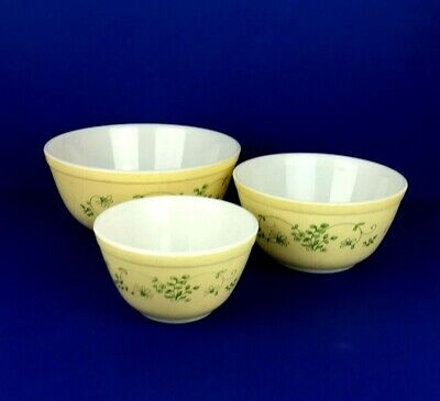 Retro Pyrex Yellow and Green Flowers Nesting Bowls Set of 3