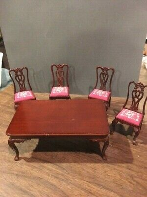 Dollhouse Dining Room table & 4 Needlepoint covered chairs 1:12 miniature scale