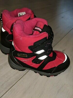 girls waterproof winter boots 10 infant ( realy good condition)