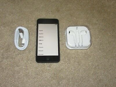 Apple iPod touch 5th Generation Space Gray (32 GB) - Bundle - Fully Functional!
