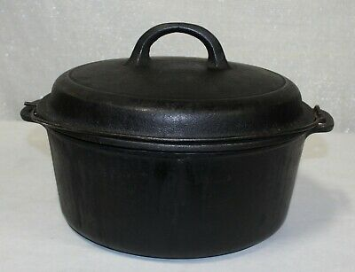 Vintage Wagner Ware Round Cast Iron Dutch Oven with Lid 1268 C
