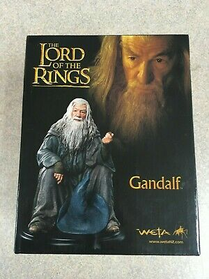 The Lord of the Rings Le Seigneur des Anneaux Statue Gandalf 15cm WETA