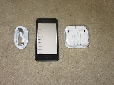 Apple iPod touch 5th Generation Space Gray (32 GB) -- Bundle - Fully Functional