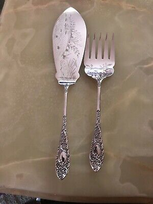 Stunning Antique Vintage Silver Plated Pair Of Fish Servers Epns