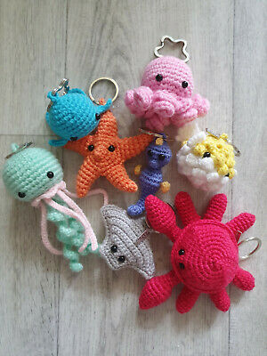 Free Mini Crochet Flamingo Pattern - Grace and Yarn | 400x300