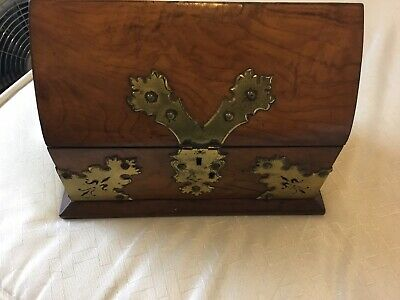 Walnut wood vintage Victorian antique jewellery trinket box