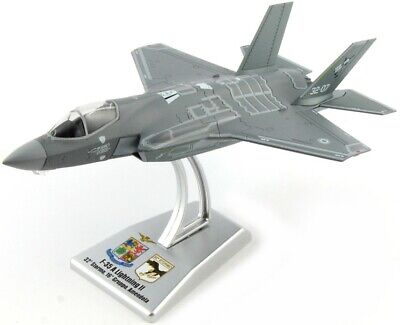 F 35 A Lighting II Fighter 1:100 Model ITALERI