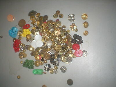 Large 1 Pound Plus Lot Of Mixed Vintage Mostly Metal Sewing Craft Buttons