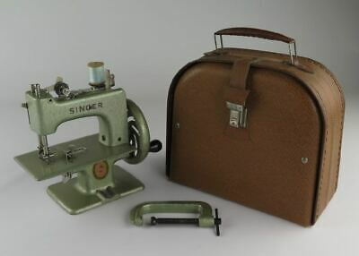 Metallic Green French Singer Toy Sewing Machine With Cute Carrying case + Clamp.