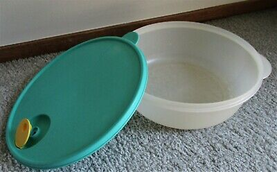 Tupperware CrystalWave 3 Qt Bowl #2643 with Aqua Seal & Pop Vent-Microwave