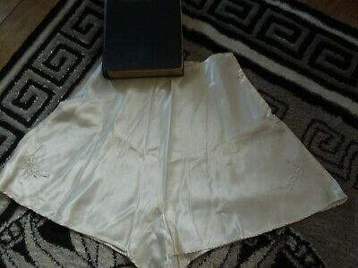 Intimate Affairs 1920S French Silk Knickers With Original Box Never Been Worn 28
