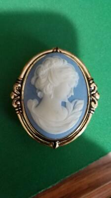 """Estee Lauder Solid Perfume Compact - 1986 """"Cameo"""" Mint - Not in Gerson Book"""
