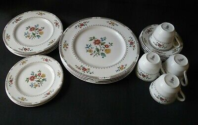 19 Piece Royal Doulton England Fine China KINGSWOOD T.C.1115 Tableware VTG