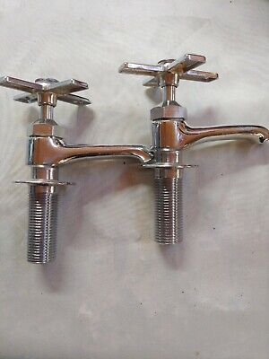 Vintage Look Hot And Cold Faucet