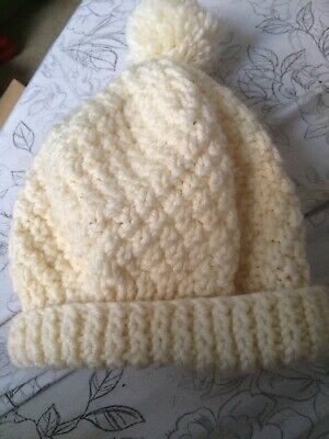 Xmas Gift Hand Knitted Bobble Hat 18-24 mths BNWOT Boy Or Girl Winter